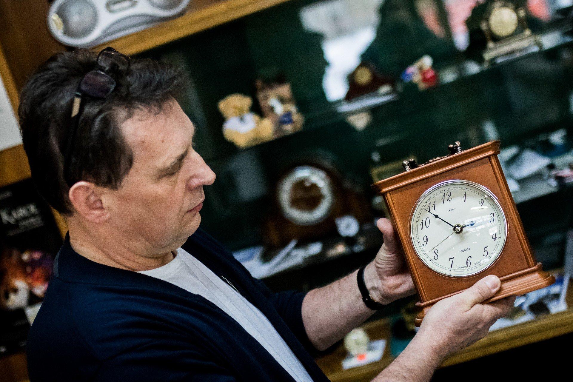 Bliżej lata, czyli już czas na zmianę czasu. W nocy przestawiamy zegarki | Gazeta Pomorska