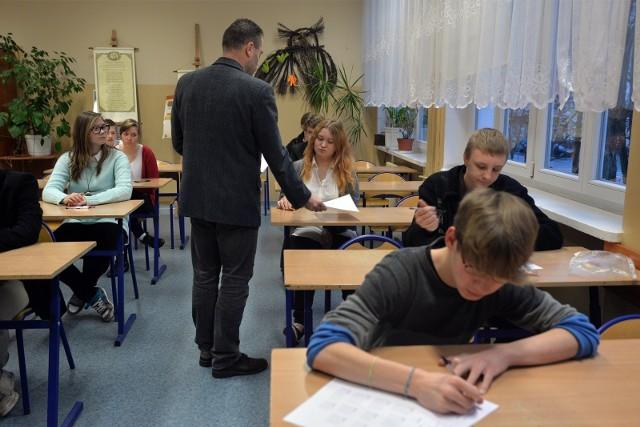 Badanie: Co trzeci rodzic twierdzi, że nauka języków obcych w szkołach jest niewystarczająca