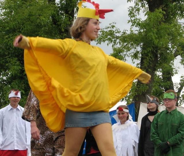 Szkolny teatrzyk występuje często na festynach miejskich