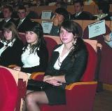 Premier wyróżnił najlepszych uczniów. Ich wysiłek  został nagrodzony