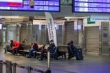 Nowoczesny dworzec Bydgoszcz Główna. Większość lokali handlowych stoi pustych [zdjęcia]