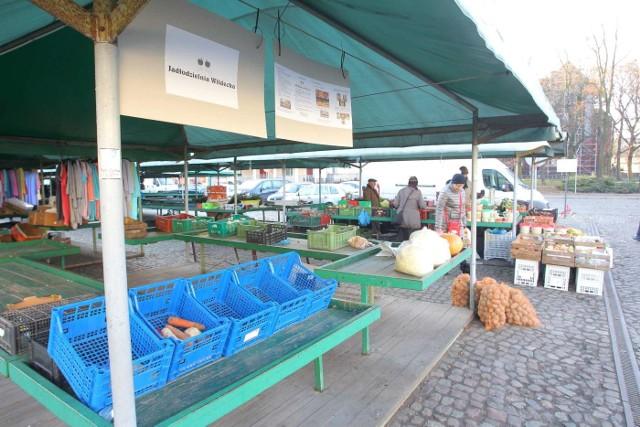 Jadłodzielnia znajduje się na rynku Wildeckim na straganie nr 87.