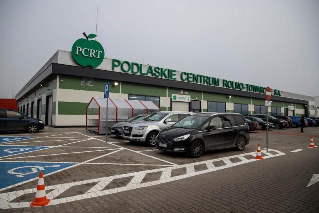 W nowej hali przy Andersa 40 będzie można kupić owoce i warzywa, z których słynie dotychczasowy obiekt PCR-T oraz pieczywo, wyroby cukiernicze, zdrową żywność, a także małe AGD i ubrania.