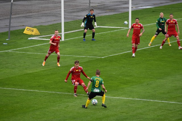 GKS Jastrzębie mimo szybkiego prowadzenia nie pokonał ekipy byłego trenera.Zobacz kolejne zdjęcia. Przesuwaj zdjęcia w prawo - naciśnij strzałkę lub przycisk NASTĘPNE