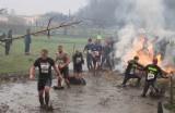 Twardziele z Głogowa ukończyli Tough Guy, najtrudniejszy bieg świata (wideo, zdjęcia)