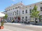 Znów zmalała liczba urzędników w mieście. W Urzędzie Miasta Łodzi pracuje już mniej niż 2 tysiące urzędników. Dlaczego?