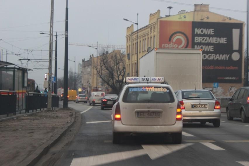 ZDiT będzie się zastanawiał, czy zlikwidować nieużywany zjazd dla autobusów, a kierowcy nadal będą stać w korkach