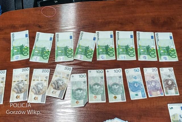 Kryminalni z Kostrzyna nad Odrą zatrzymali kobietę i mężczyznę, którzy wprowadzili do obiegu podrobione banknoty