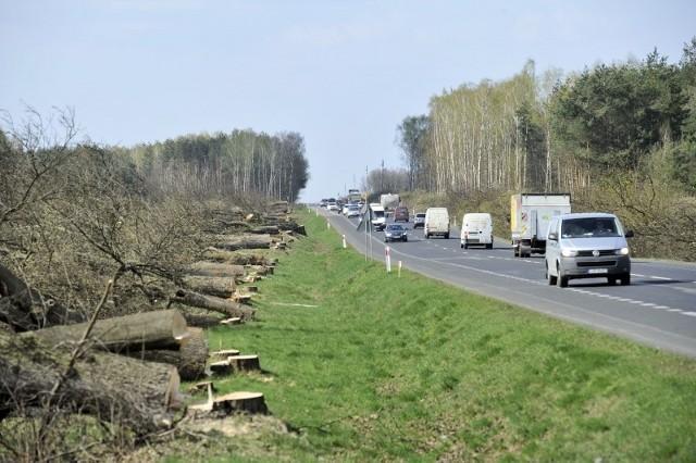 Odcinek Garwolin-Gończyce, okolice miejscowości Potaszniki, wycinka drzew