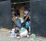 Śmieciowy problem na nowych osiedlach. Chemeko zaprzecza, że odpady leżą od miesiąca