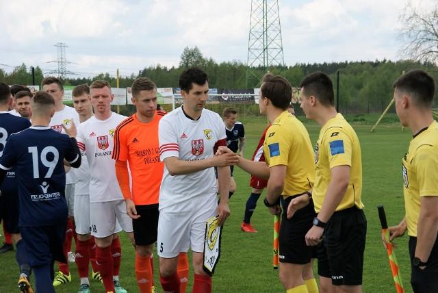Piłkarze Czarnych Połaniec w sobotę na własnym boisku zagrają z Avią  Świdnik.