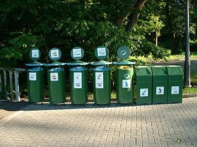 Teraz działkowcy będą za śmieci płacić raz w roku.