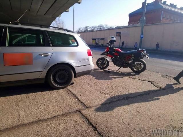 Zderzenie taksówki z motocyklem w Opolu