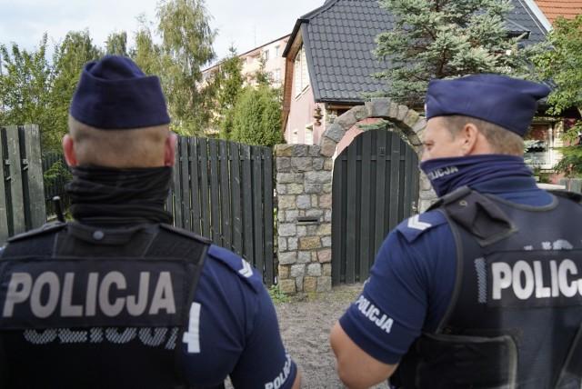 """Nie wszyscy policjanci są zadowoleni z podwyżki """"pięćset plus""""."""