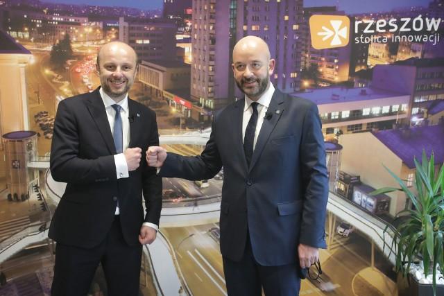 Prezydent Wrocławia Jacek Sutryk i kandydat na prezydenta Rzeszowa, Konrad Fijołek rozmawiali m.in. o pomyśle budowie aquaparku w Rzeszowie.