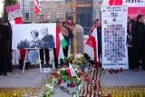 Rocznica katastrofy smoleńskiej. Krzyż wrócił na Krakowskie Przedmieście