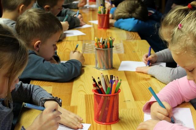 W Poradni Psychologiczno-Pedagogicznej we Włocławku rodzice mogą skorzystać z porad psychologa, logopedy i pedagoga