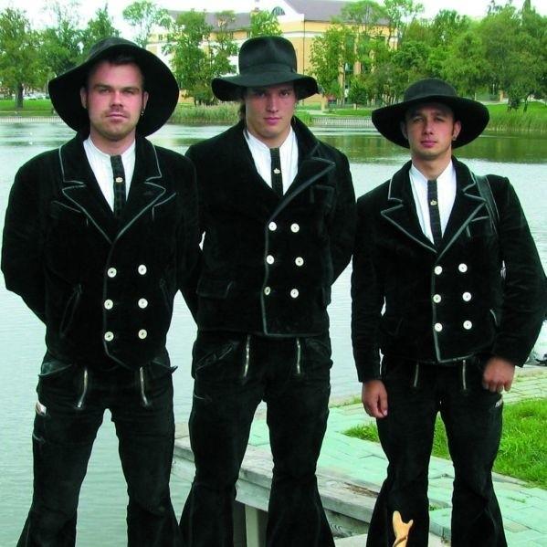Peter Voss, Toni Trojer i Stefan Jaeger (od lewej) dopiero za niecałe 3 lata wrócą do domu ze swojej długiej podróży po świecie