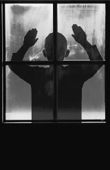 Katechetka zamknęła uczniów w klasie. Chłopiec wyskoczył przez okno