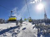 Tłumy turystów w Beskidach: piękna pogoda i świetne warunki na narty. Zobaczcie, jakie i gdzie