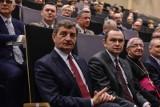 """Marek Kuchciński. """"GW"""": PiS rozważa dwa warianty dymisji marszałka Sejmu w związku z """"rodzinnymi lotami"""""""