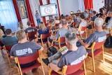 """W bibliotece w Brodnicy odbyło się spotkanie z Marcinem Perlińskim, autorem artykułów w miesięczniku """"Odkrywca"""". Zobaczcie zdjęcia"""