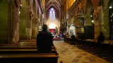 Co z obostrzeniami w kościołach? Wspólny komunikat ministra zdrowia i sekretarza generalnego Konferencji Episkopatu Polski
