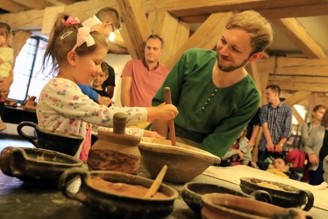 Istniejące od 2006 roku Żywe Muzeum Piernika błyskawicznie stało się jedną z największych atrakcji turystycznych Torunia