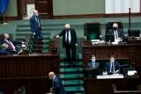 Co łączy namiętność erotyczną i polityczną? Ślepa miłość elektoratu, czyli... o uczuciach w polityce  mówi prof. Bogdan Wojciszke