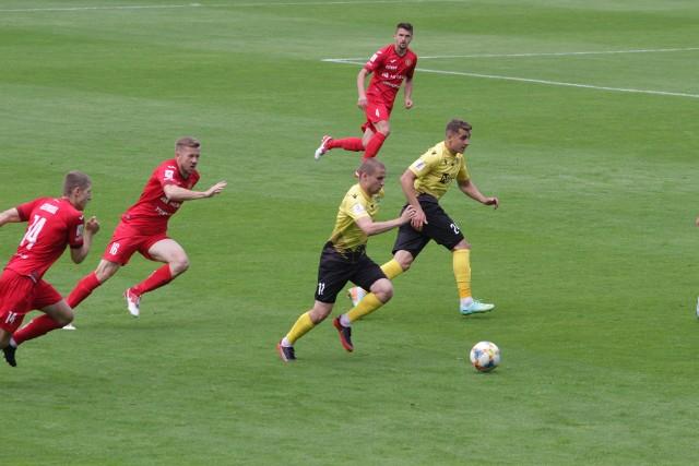 Piłkarze GKS Katowice zremisowali z Widzewem Łódź 1:1  Zobacz kolejne zdjęcia. Przesuwaj zdjęcia w prawo - naciśnij strzałkę lub przycisk NASTĘPNE