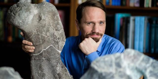 Tomasz Sulej, polski paleontolog specjalizujący się w badaniu ewolucji bazalnych archozaurów i płazów.