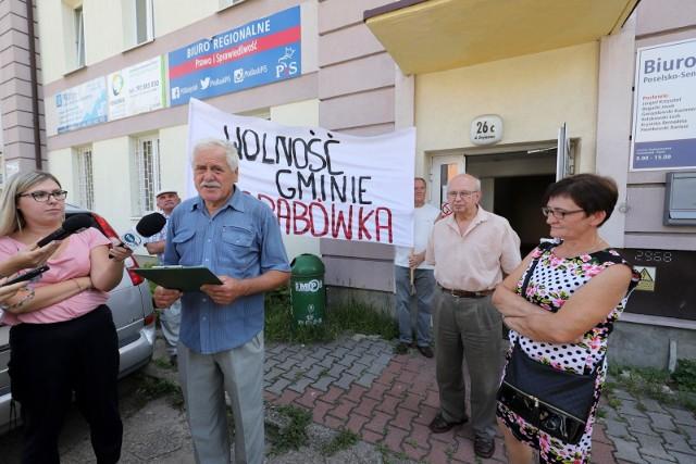 Mieszkańcy Grabówki żądają 3 milionów złotych rekompensaty za nieutworzenie gminy