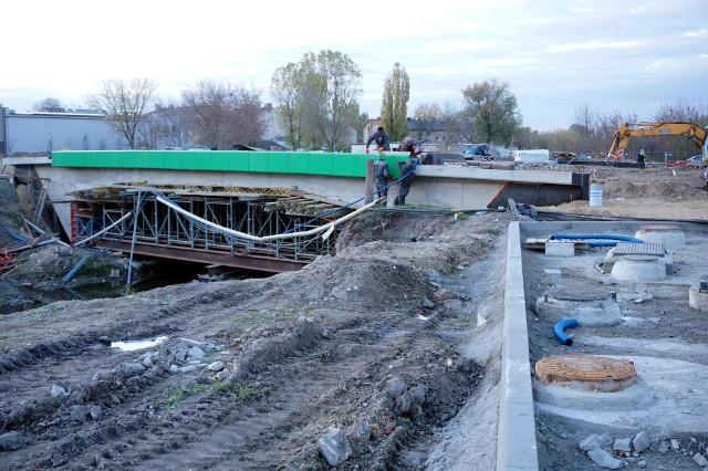 Przebudowa mostu na ul. Pawiej pochłonie 11,7 mln zł. Przeprawa jest zamknięta od czerwca