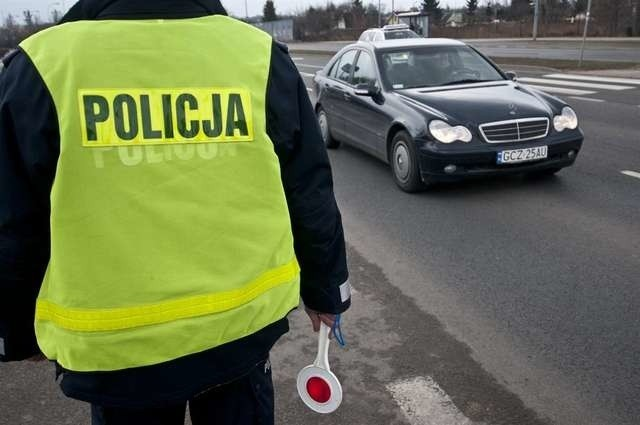 Kukiz'15 i stowarzyszenie prawo na drodze chcą, aby policjanci nie przeprowadzali rutynowych kontroli