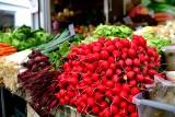 """Radom. Warzywa i owoce drożeją. Jakie ceny na """"Śląskiej""""?"""