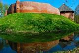 Zabytkowy zamek w Międzyrzeczu zakwitł kolorami wiosny [ZDJĘCIA]