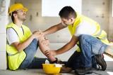 Wypadek przy pracy. Kto odpowiada za wypadek w pracy. Komu przysługuje odszkodowanie? Co jeśli do wypadku w pracy doszło z winy pracownika?