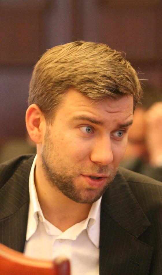 Bartosz Domaszewicz: Apeluję do radnej Kopcińskiej o natychmiastowe zdjęcie wszystkich billboardów oraz plakatów lub wycofanie się z kandydowania. Daje Pani Kopcińskiej czas do poniedziałku