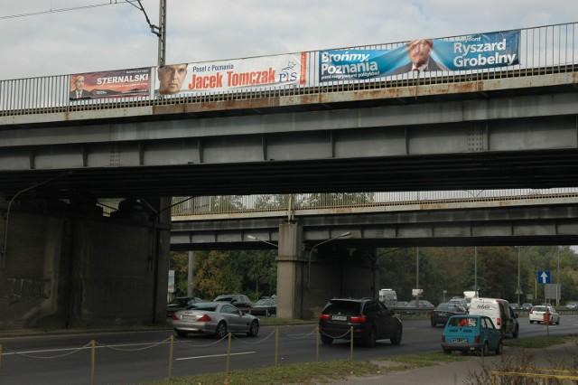 Jezdną z najczęściej wskazywanych lokalizacji dla przystanków kolejowych jest rejon ulic Niestachowskiej i Żeromskiego