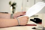 UOKiK sprawdza kancelarie, które pomagają w dochodzeniu roszczeń z umów polisolokat, kredytów i obligacji