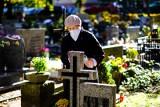 Co z cmentarzami 1 listopada? Będą zamknięte? Premier Morawiecki: Informacje przedstawimy jutro