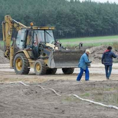 Przetarg na zbudowanie kompleksu sportowego Orlik 2012 wygrało przedsiębiorstwo Geoprofit Joanny Ćwioro z Sulechowa, które już rozpoczęło roboty w pobliżu hali Olimpia