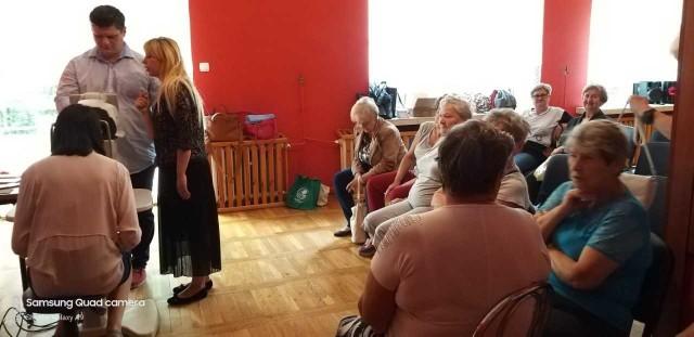 Z darmowych badań okulistycznych ucieszyli się wszyscy  seniorzy.