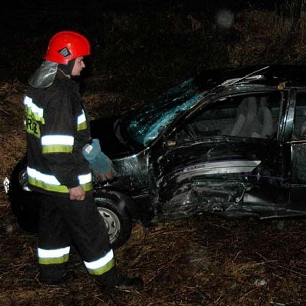 Strażacy na miejscu wypadku przy ul. Sanockiej.