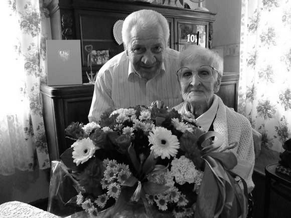 Franciszka Jelito podczas 103. urodzin była pogodna i uśmiechnięta.