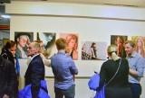 Uczniowie z klasy technik fotografii w Stalowej Woli na swojej wystawie