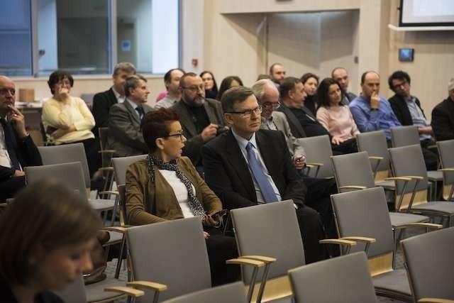 W konferencji podsumowującej projekt BiT City w Urzędzie Marszałkowskim wzięli udział samorządowcy i przedstawiciele partnerskich spółek