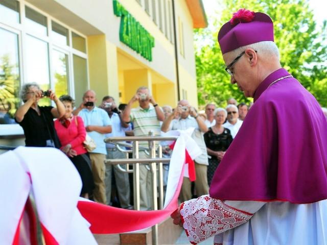 Wyremontowany szpital poświęcił wczoraj arcybiskup Józef Michalik, metropolita przemyski.