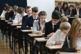 EGZAMIN GIMNAZJALNY 2018. Język angielski - arkusze CKE i odpowiedzi. Egzamin gimnazjalny - język angielski (poziom rozszerzony) 20.04.2018