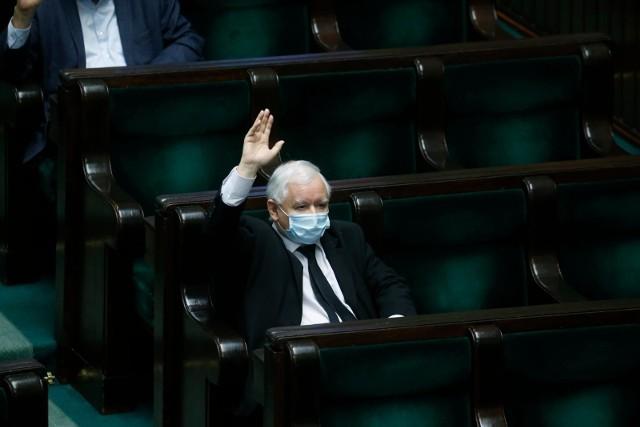 [Wybory korespondencyjne] Porozumienie Kaczyński - Gowin czyli jak posłowie Jarosław z Jarosławem rozbroili tykającą bombę na prawicy